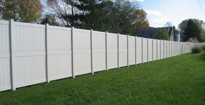 privacy fence west bend, privacy fence installation west bend, west bend privacy fences