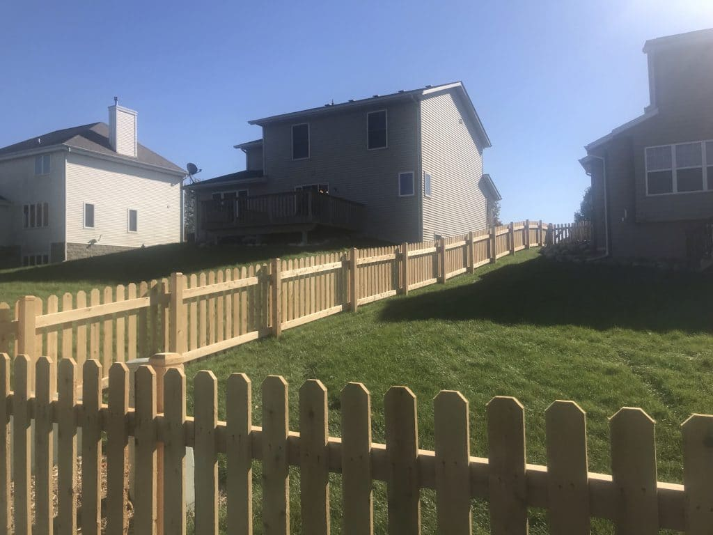 west bend fence installation, fence company west bend, west bend residential fencing