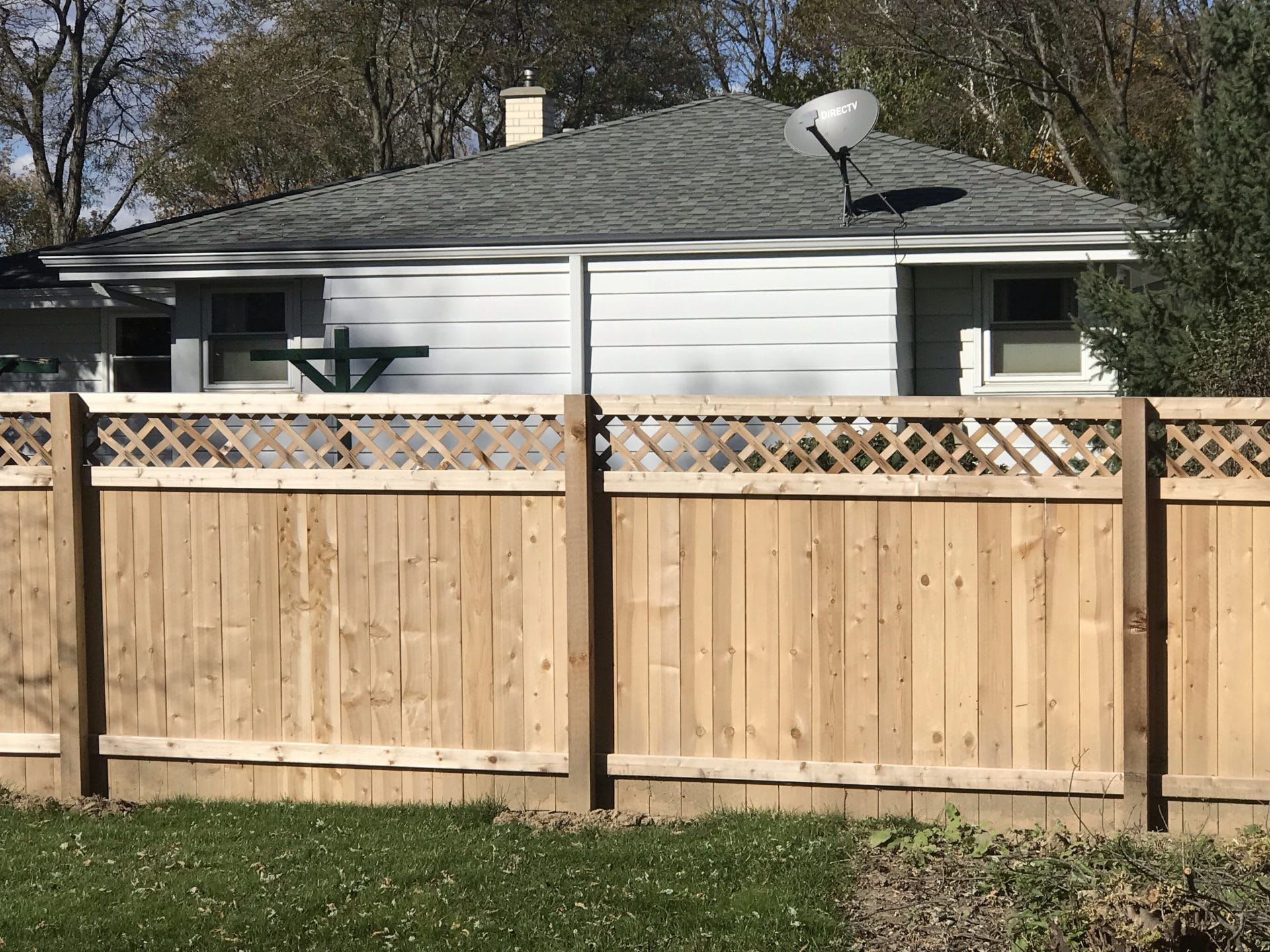 custom fence installation west bend, west bend fence company, west bend fence solutions