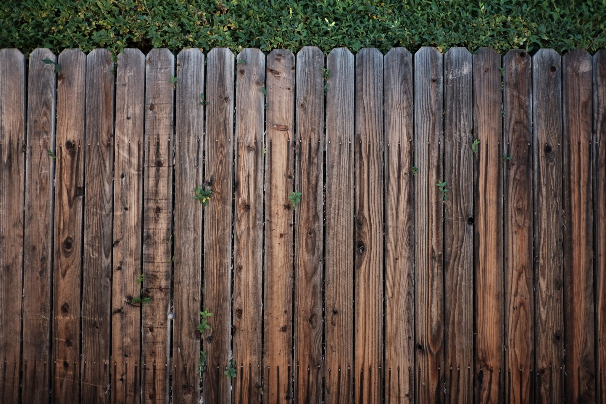 wood fence removal in west bend, wood fence repair and removal, residential and commercial fence removal