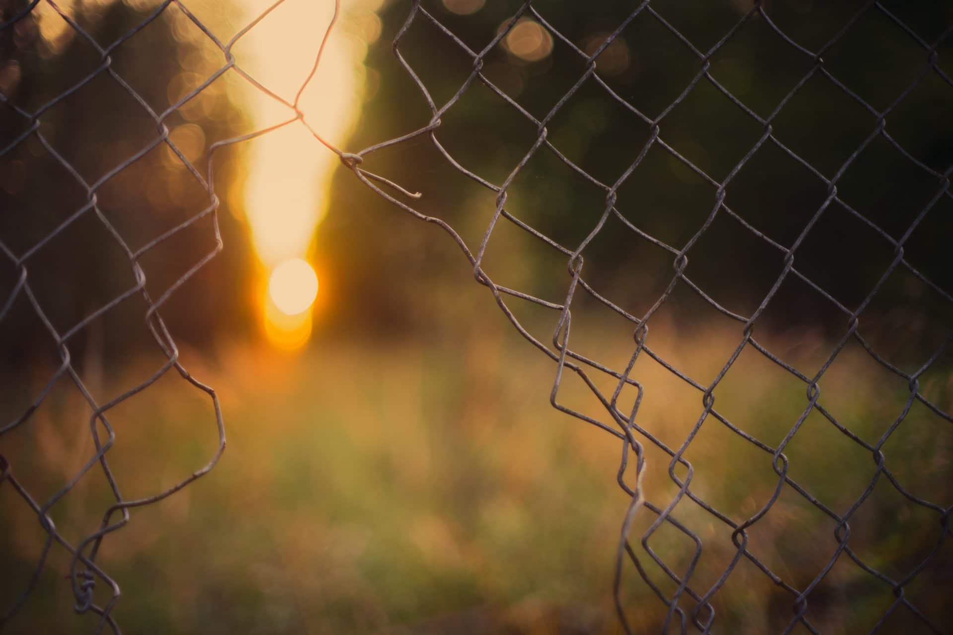chain link fence west bend, chain link fence repair west bend, west bend chain link fence installation