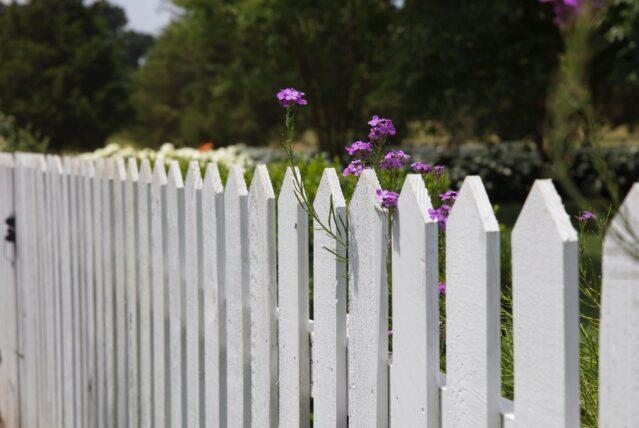 fence maintenance in saukville, saukville residential fence repairs, repairing residential fences