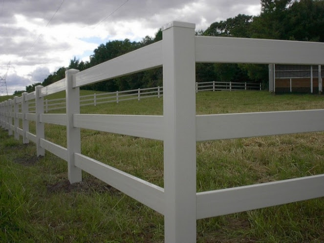 pasture fence west bend, fence company west bend, west bend fence installation