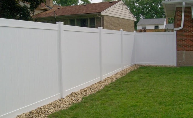 privacy fence west bend, install privacy fence west bend, west bend fence company
