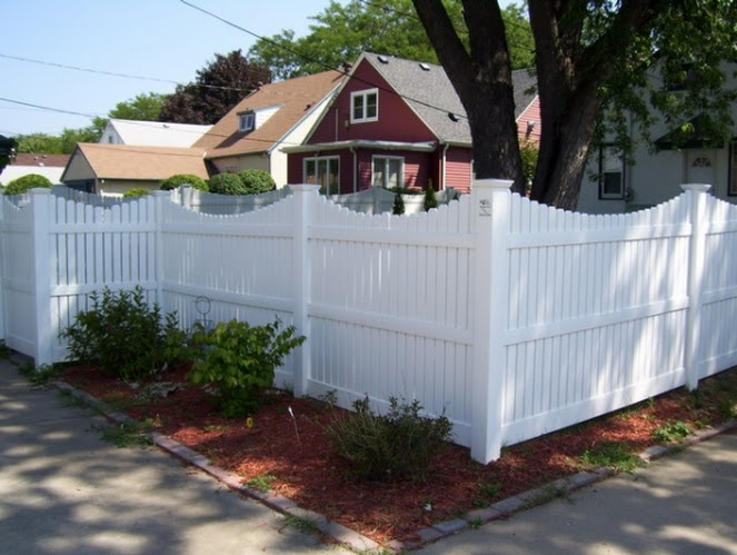 install fence west bend, scallop fence west bend, west bend fence company