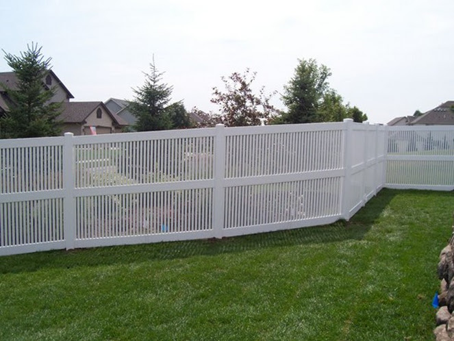privacy fence west bend, custom fences west bend, west bend fence company
