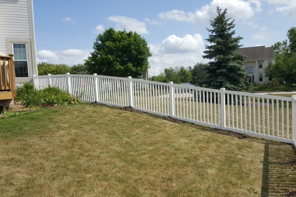 west bend vinyl fence installation, fence company west bend, west bend fence experts