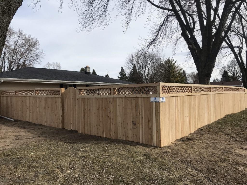 d&d fence, wooden fence installation west bend, west bend fence installation, fence company west bend