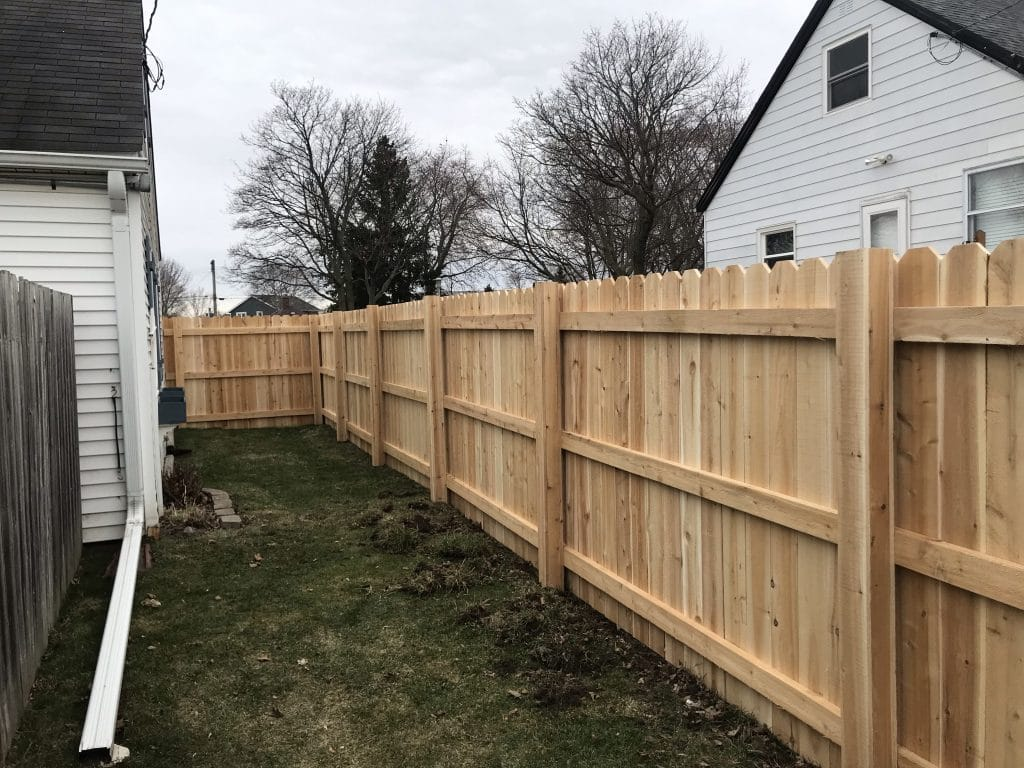 west bend wooden perimeter fence, fence installation west bend, west bend wooden fence